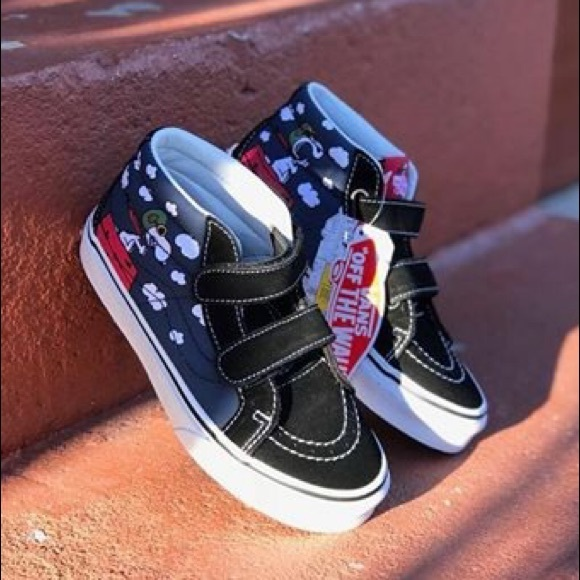 1687b921a1 NEW VANS PEANUTS SNOOPY FLYING ACE MID SHOES (1.5)